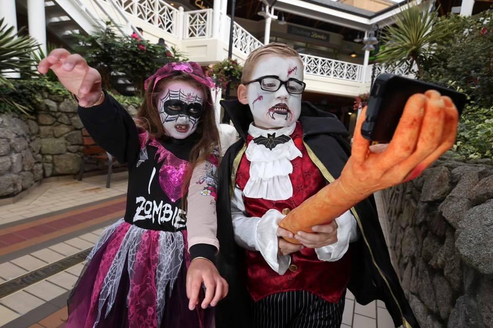 Halloween Facepaint by Little Laughs